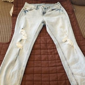 Light wash Old Navy croppedjeans